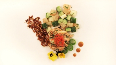 crab . lump . sautéed . apple . cucumber . pomelo . mint . tamarind dressing . brown rice crisp